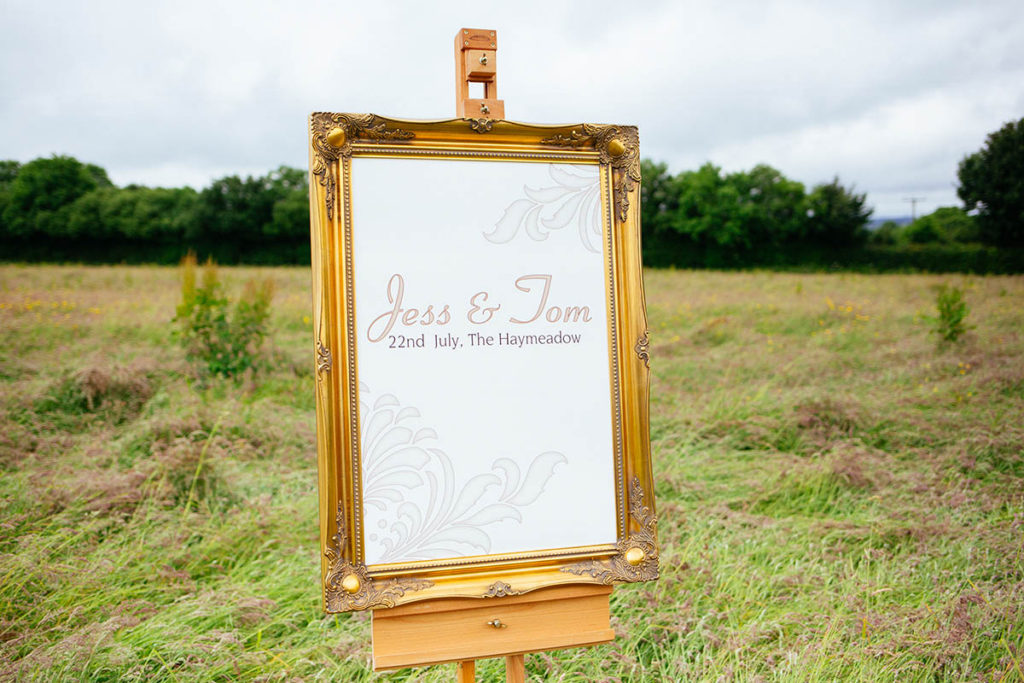 Welcome sign in frame